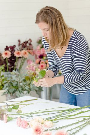 Floral-one-to-one-classes-florist-clairegraham Joannetruby-98
