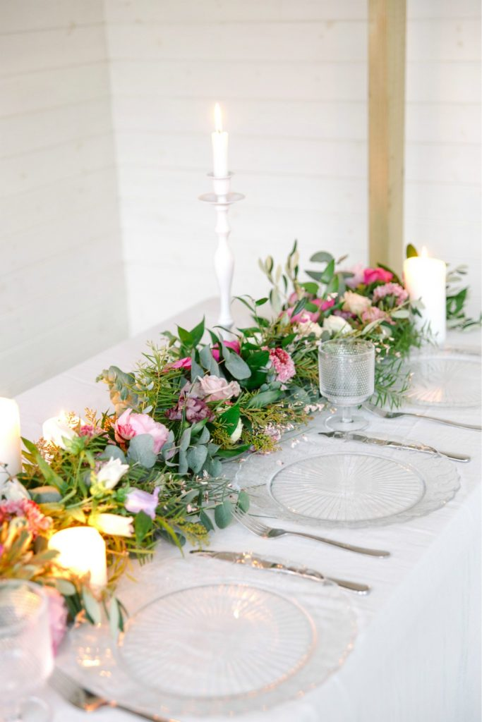 Hanging Chandelier and Spring Table Runner One to One Flower Workshop