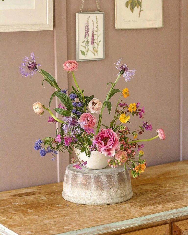 Natural Bowl Arrangement with Ranunculus
