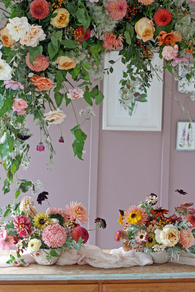 Foam Free Hanging Insallation and Table Centre Workshop