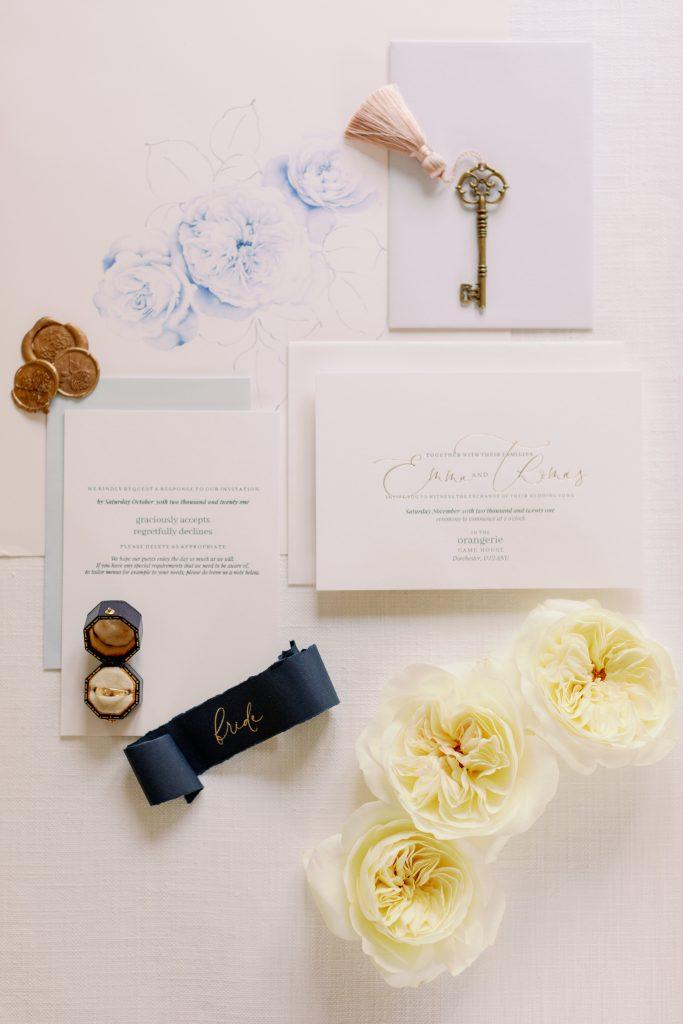Elegant wedding stationary